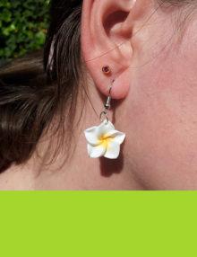 Virágos fülbevalók