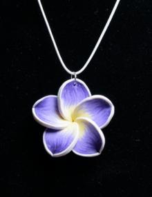 Süthető gyurma ékszer - nyaklánc lila