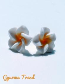 Gyurma Trend - klasszik fehér bedugós fülbevaló